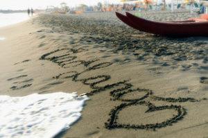 Parole d'amore sulla sabbia by Ciao Lapo